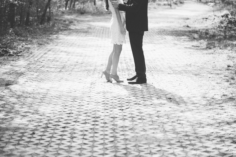 Romantic-engagement-photos-SirWinstonChurchillPark-Toronto-wedding-017.JPG