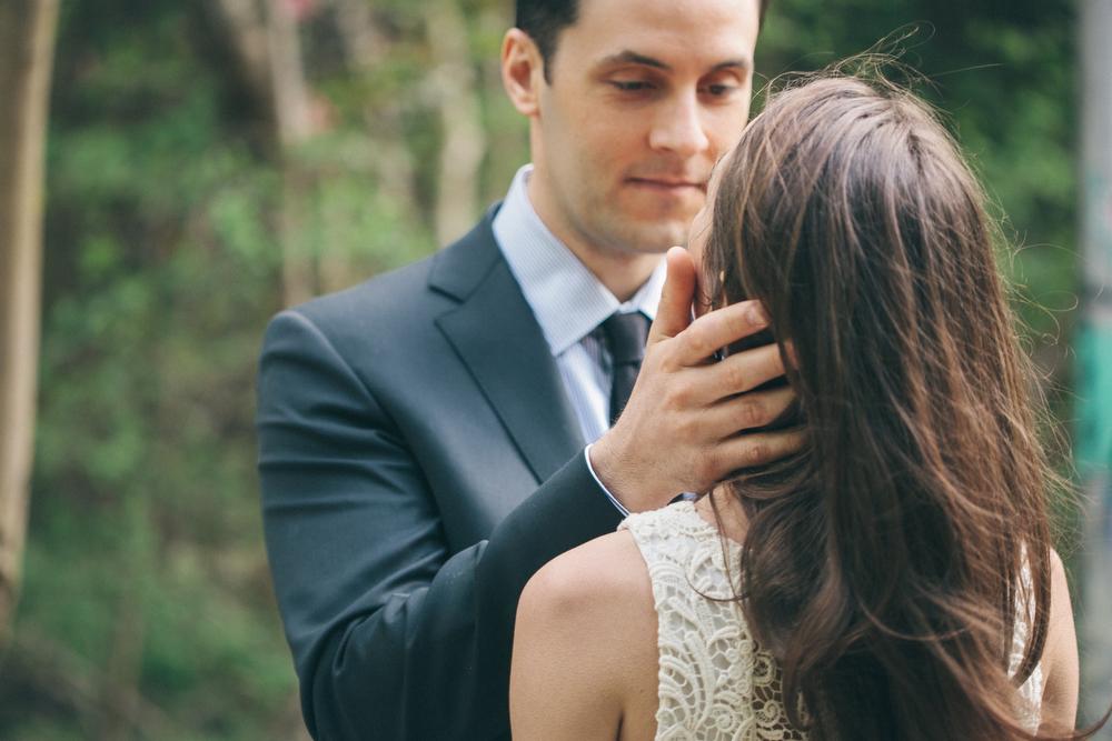 Romantic-engagement-photos-SirWinstonChurchillPark-Toronto-wedding-019.JPG
