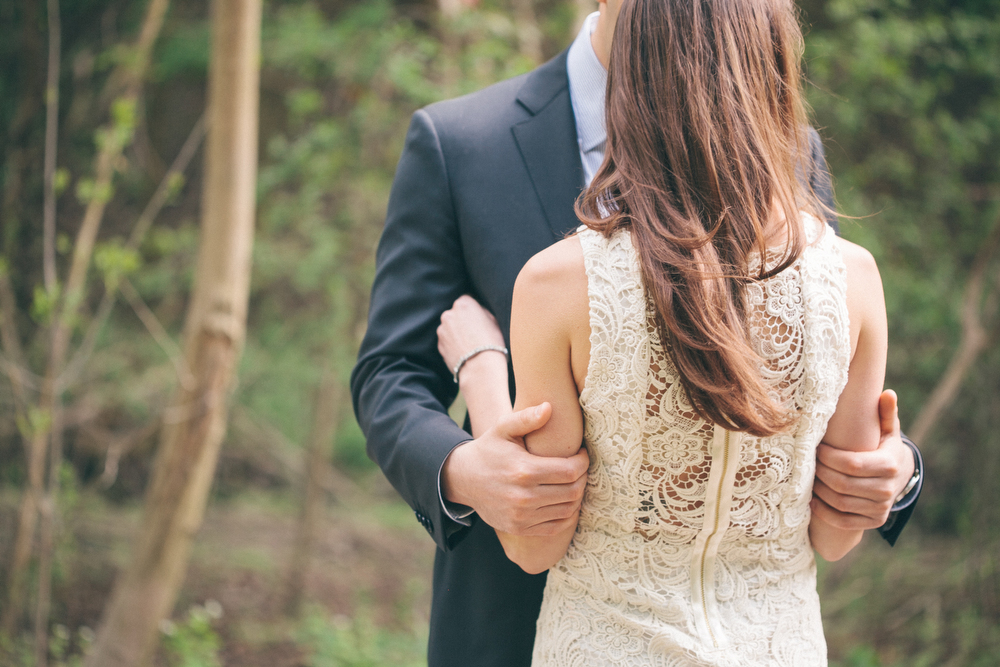 Romantic-engagement-photos-SirWinstonChurchillPark-Toronto-wedding-020.JPG