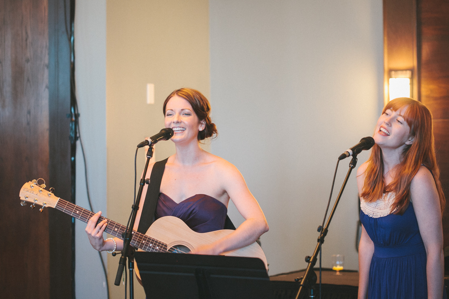 cottage-wedding-photos-CranberryGolfResort-Muskoka-musicians085.JPG