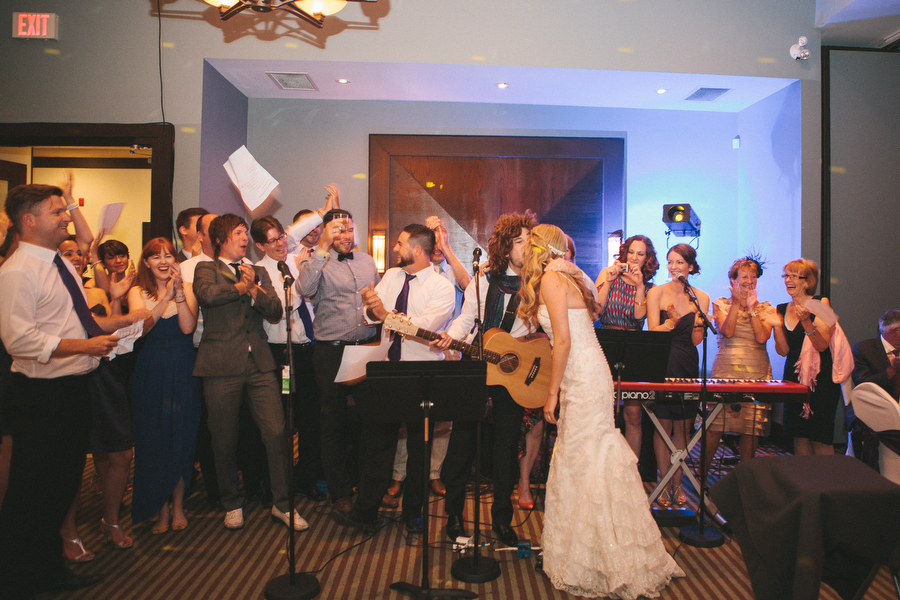 cottage-wedding-photos-CranberryGolfResort-Muskoka-musicians106.JPG