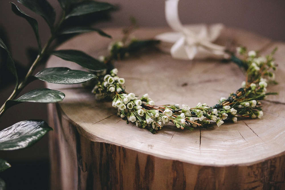 Simple flower crown by Crown Flora.