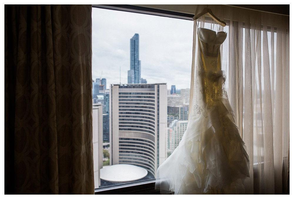 wedding, Arcadian Court, Toronto, city hall, intimate, classic, modern, urban, wedding dress, Vera Wang