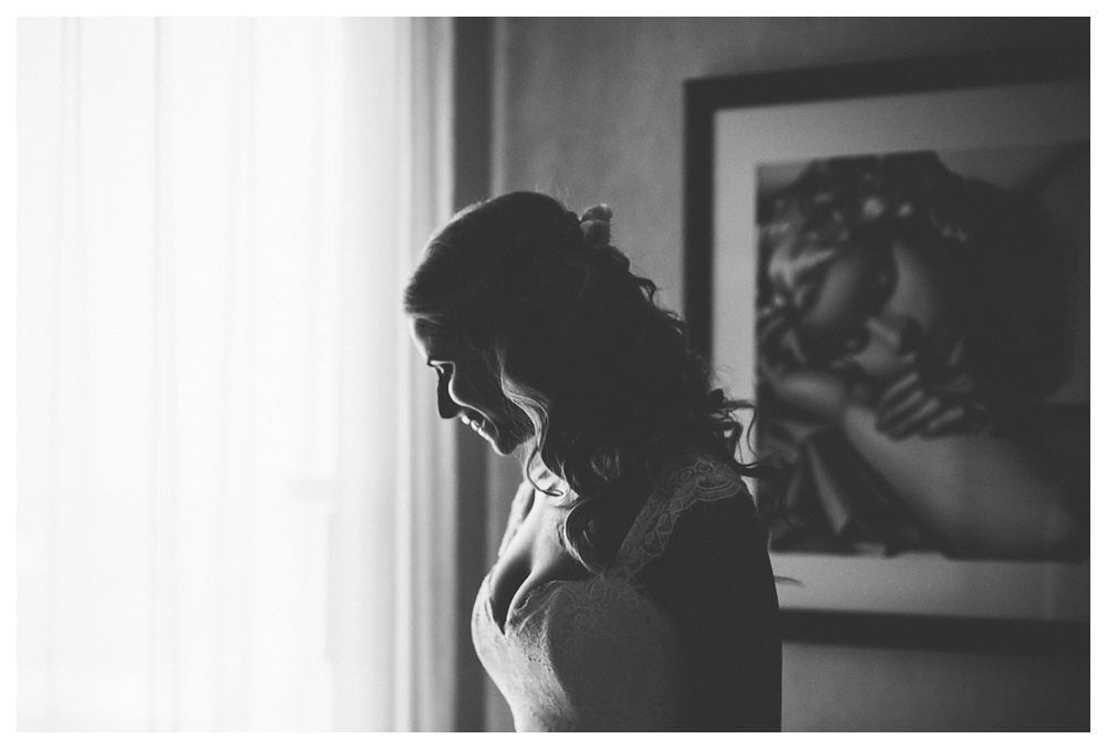 Ravine Winery, wedding, romantic, Niagara-on-the-lake, Blush and Bowties, women, black and white, natural light, wedding day, lace, Vogue Sposa, Anais Anette, White Oaks Resort and Spa, Kat Von Pire,
