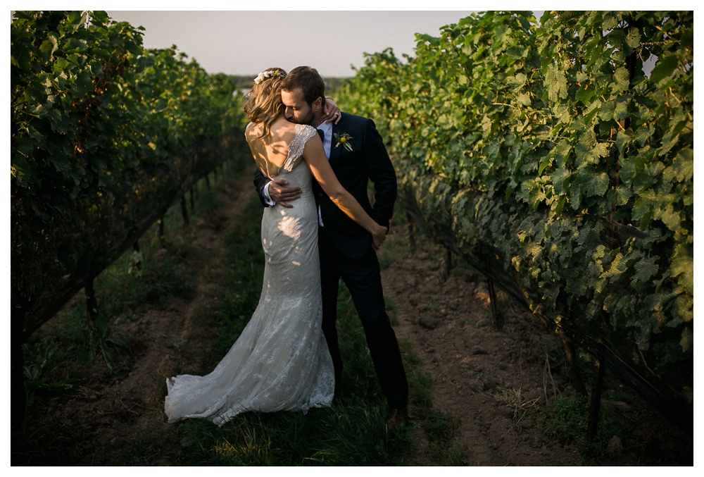 Ravine Winery, romantic, wedding, Blush and Bowties, bride and groom, Niagra-on-the-lake, Anais Anette, wedding dress, evening sun,