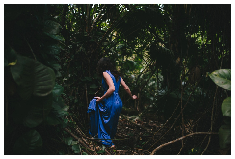 07-DanijelaWeddings-Hawaii-Kauai-engagement-bluedress.JPG