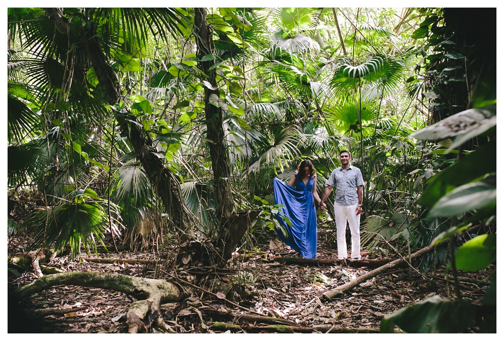 08-DanijelaWeddings-Hawaii-Kauai-engagement-jungle.JPG