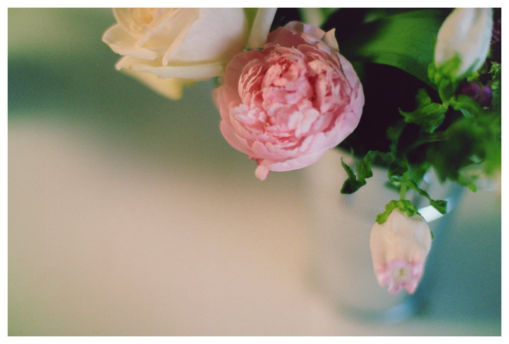 BlushandBloom-flowers-workshop-Toronto-wedding-photographer-florist-film-centrepiece-weddingflowers025.JPG