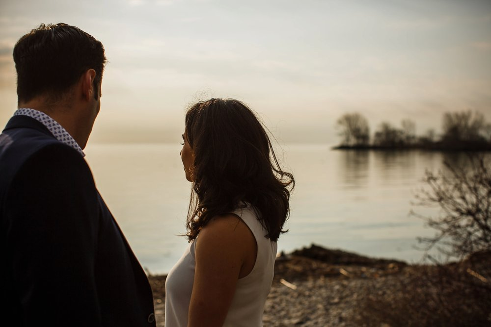 engagement-photos-Toronto-Danijelaweddings-beach-sunrise028.JPG