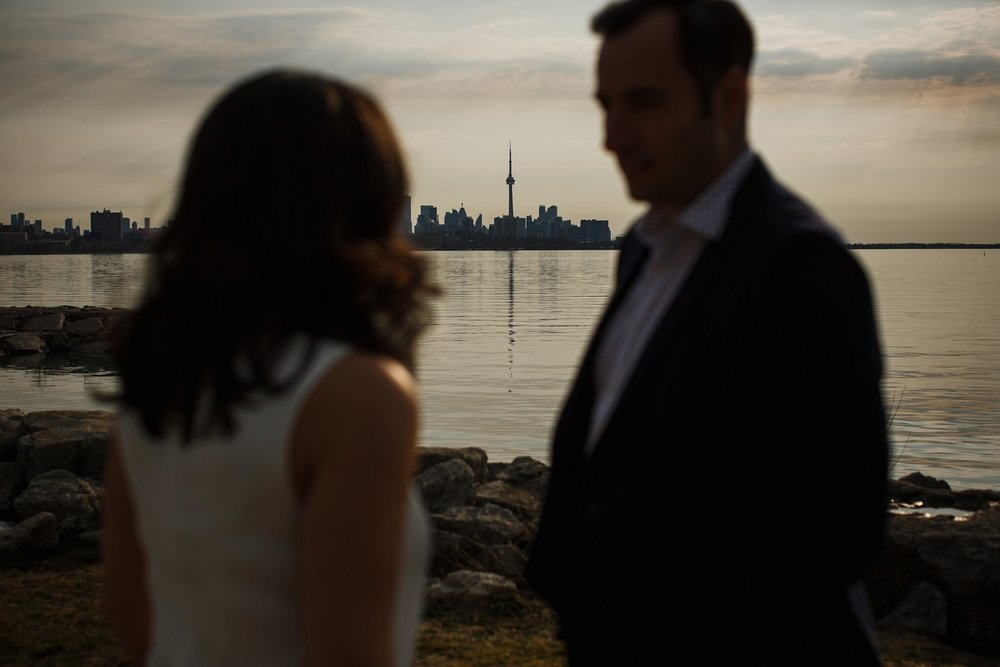 engagement-photos-Toronto-Danijelaweddings-beach-sunrise029.JPG