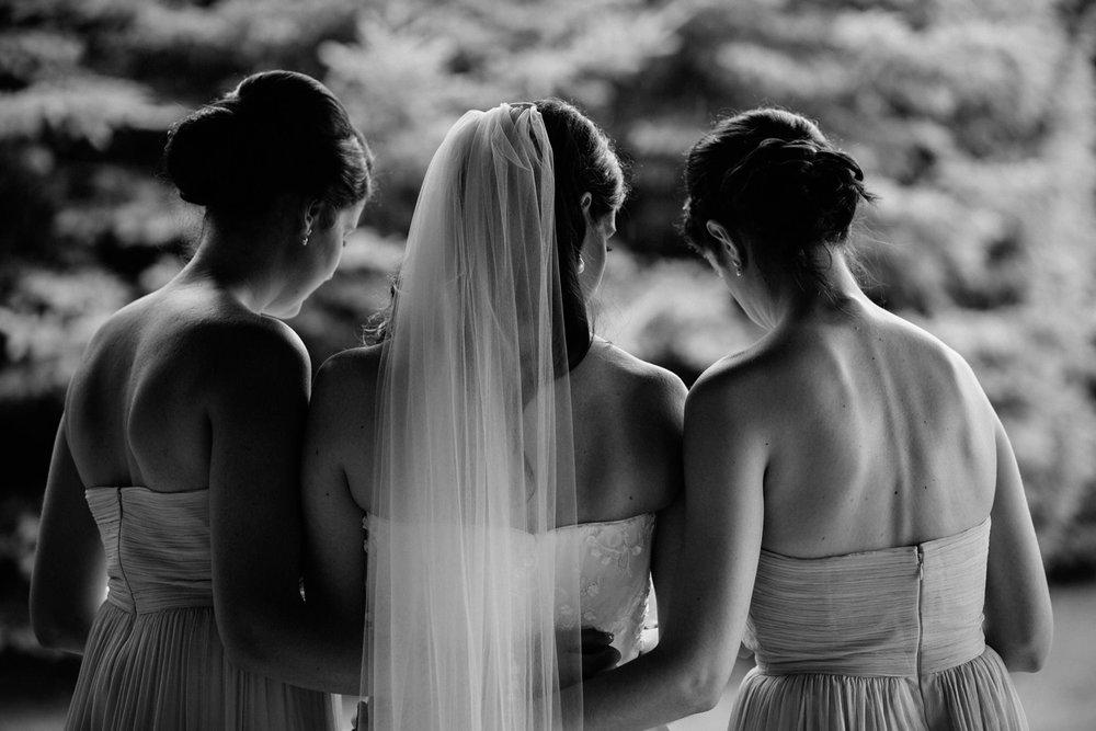 Kurtz-orchard-wedding-photos-danijelaweddings-rainy-romantic026.JPG