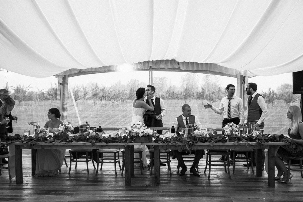 Kurtz-orchard-wedding-photos-danijelaweddings-rainy-romantic050.JPG