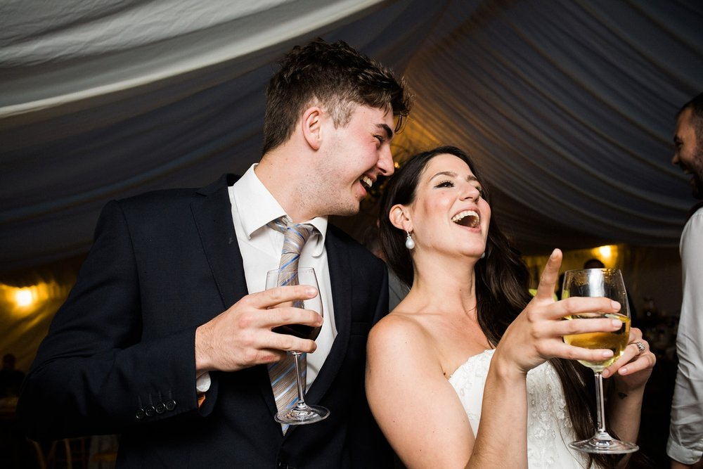 Kurtz-orchard-wedding-photos-danijelaweddings-rainy-romantic076.JPG
