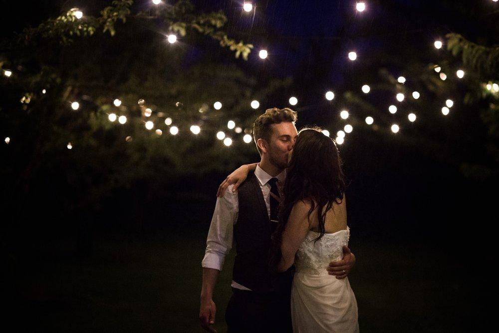 Kurtz-orchard-wedding-photos-danijelaweddings-rainy-romantic099.JPG