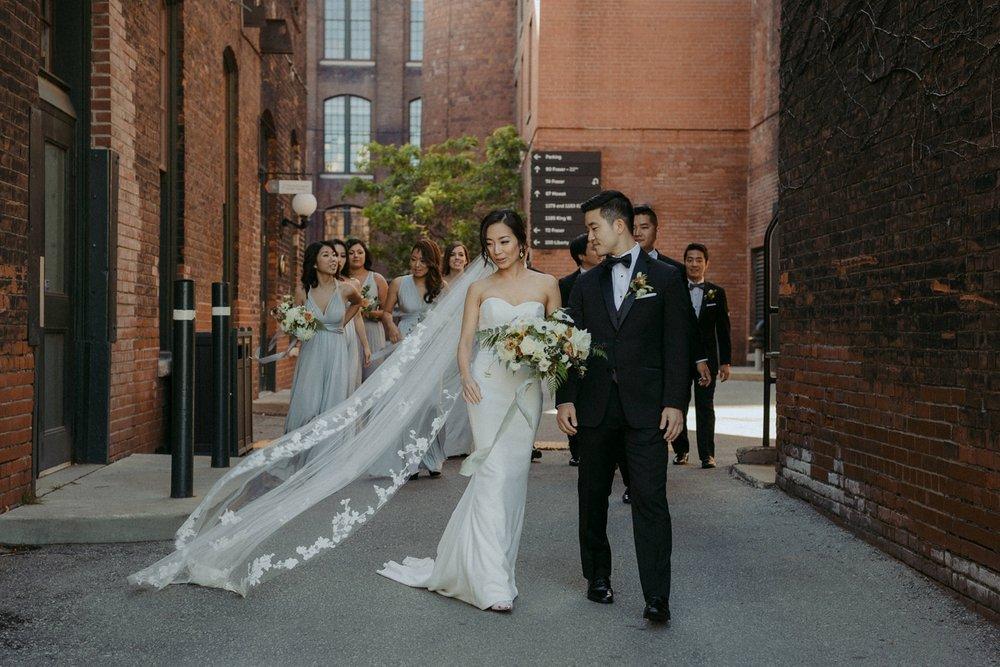 17-1008SS-weddingfirstselects-DanjielaWeddings0016.jpg