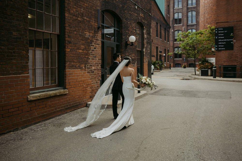 17-1008SS-weddingfirstselects-DanjielaWeddings0022.jpg