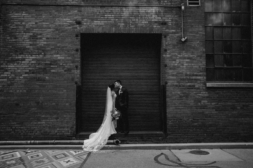 17-1008SS-weddingfirstselects-DanjielaWeddings0024.jpg