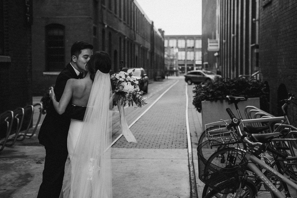 17-1008SS-weddingfirstselects-DanjielaWeddings0035.jpg