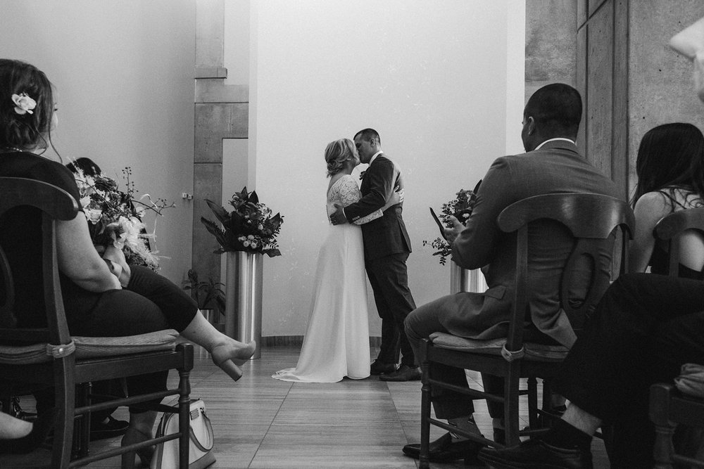 17-1021EJ-wedding-DanijelaWeddings-firstview0021.JPG