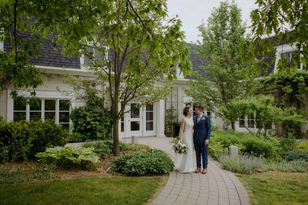 DanijelaWeddings-wedding-photos-Toronto-LangdonHall-countryclubwedding-luxe-artistic-015.JPG