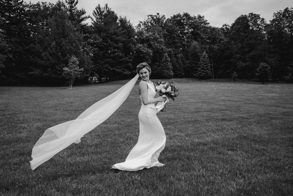 DanijelaWeddings-wedding-photos-Toronto-LangdonHall-countryclubwedding-luxe-artistic-021.JPG