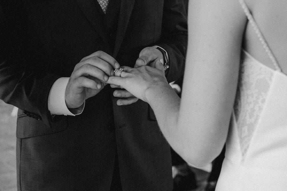 DanijelaWeddings-wedding-photos-Toronto-LangdonHall-countryclubwedding-luxe-artistic-034.JPG