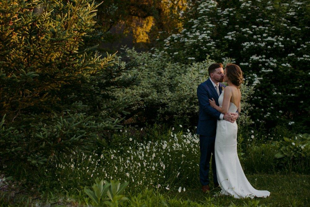 DanijelaWeddings-wedding-photos-Toronto-LangdonHall-countryclubwedding-luxe-artistic-039.JPG