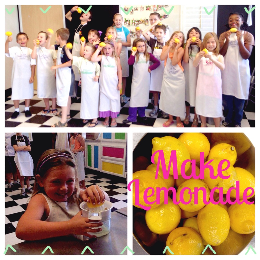 Campers at Young Chefs Academy making fresh lemonade -www.ChefShayna.com