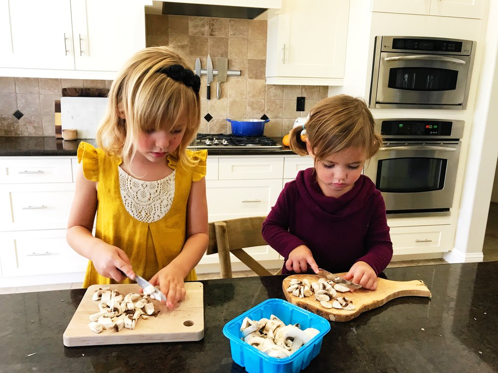 Kids can cook- How to empower kiddos to get involved in the kitchen. www.ChefShayna.com