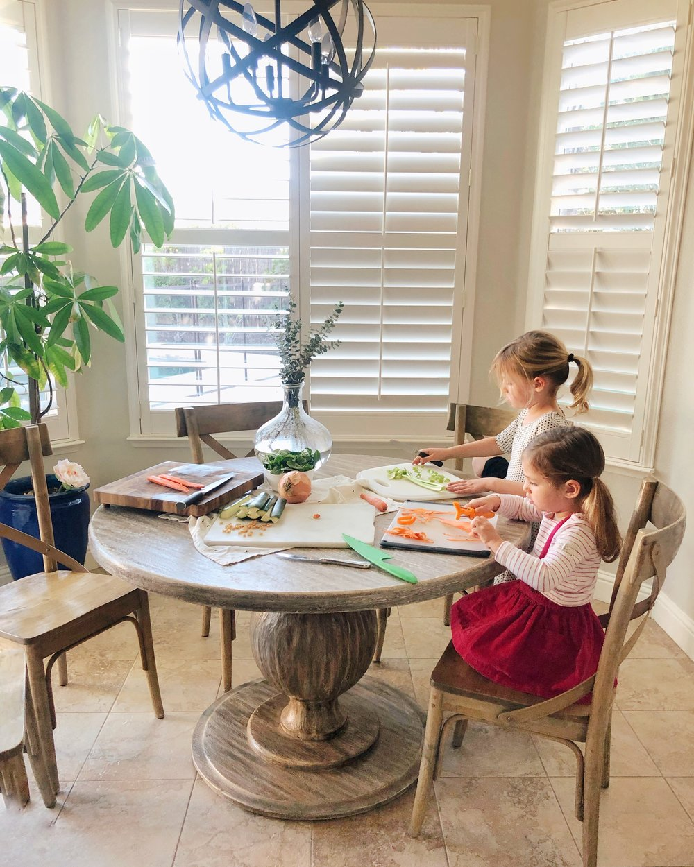 Tips for inviting kids into the kitchen to make dinner. www.ChefShayna.com