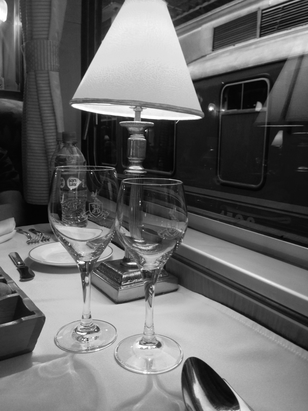 A lamp on a train? Now that's luxury!