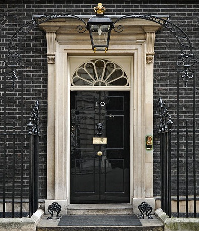 2010_Official_Downing_Street_pic_-_cropped_to_door_arch.jpeg