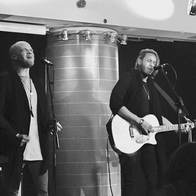 Great gig last night @thehospitalclub with @give_a_gig and @successexpressmusic as host. Next gig is the Camden Rocks Festival June 3rd, keep your calendars free and cya there 🙌🏽 #WestEnd #AcousticSet #bandoftheday #LiveMusic #LondonMusic #SecretGig