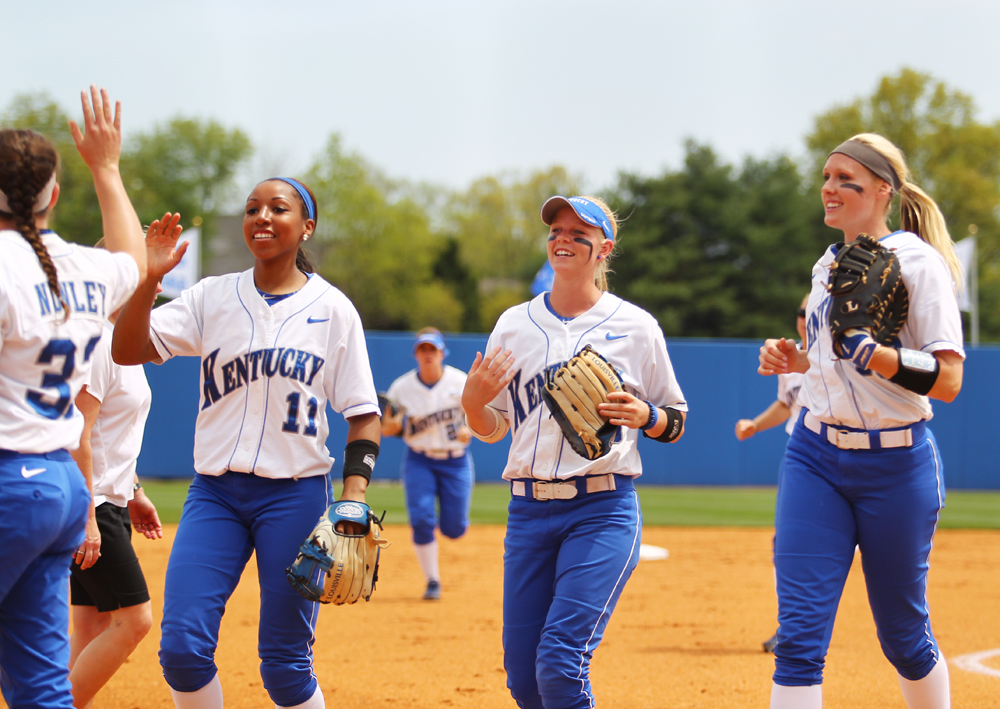 UK_UT_seniorday_softball_2014_19_bdh.JPG