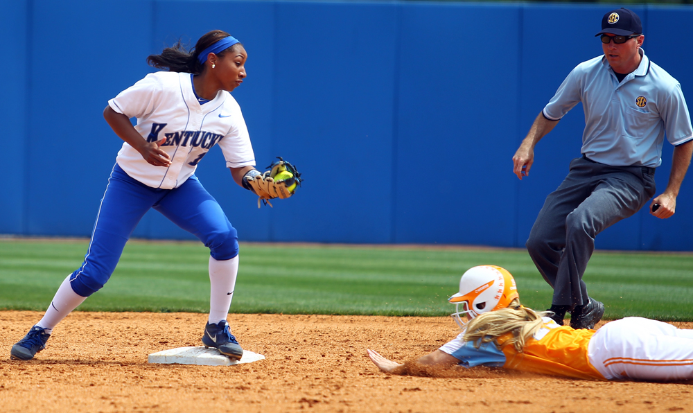 UK_UT_seniorday_softball_2014_33_bdh.JPG