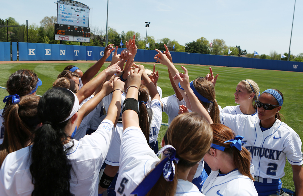 UK_UT_seniorday_softball_2014_03_bdh.JPG