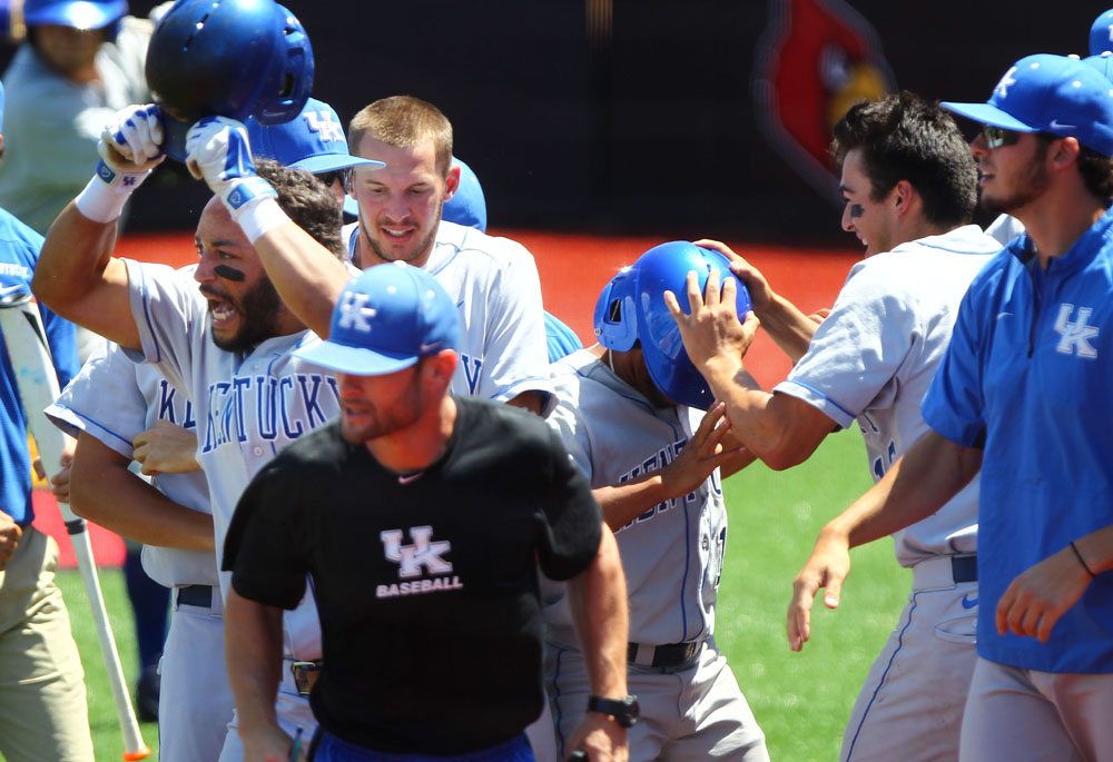 UK_KentSt_baseball_NCAA_2014_27_bdh.JPG