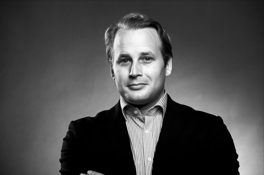 Svartvitt porträtt på Jon Dahlgren för Element Lead Management