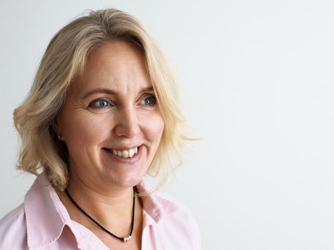 Porträtt på Hammer & Hanborgs VD Lotta Fredrikson