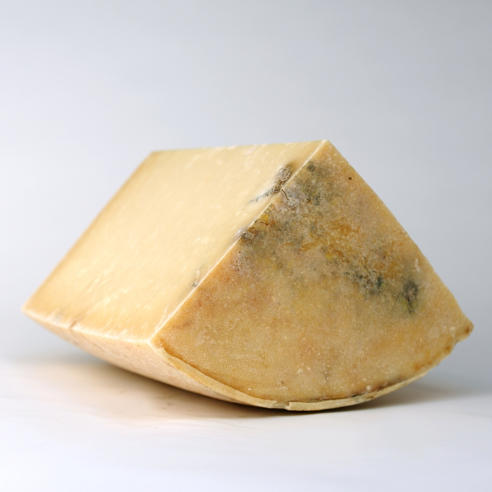 Britain Cow Isle of Mull Cheddar.jpg
