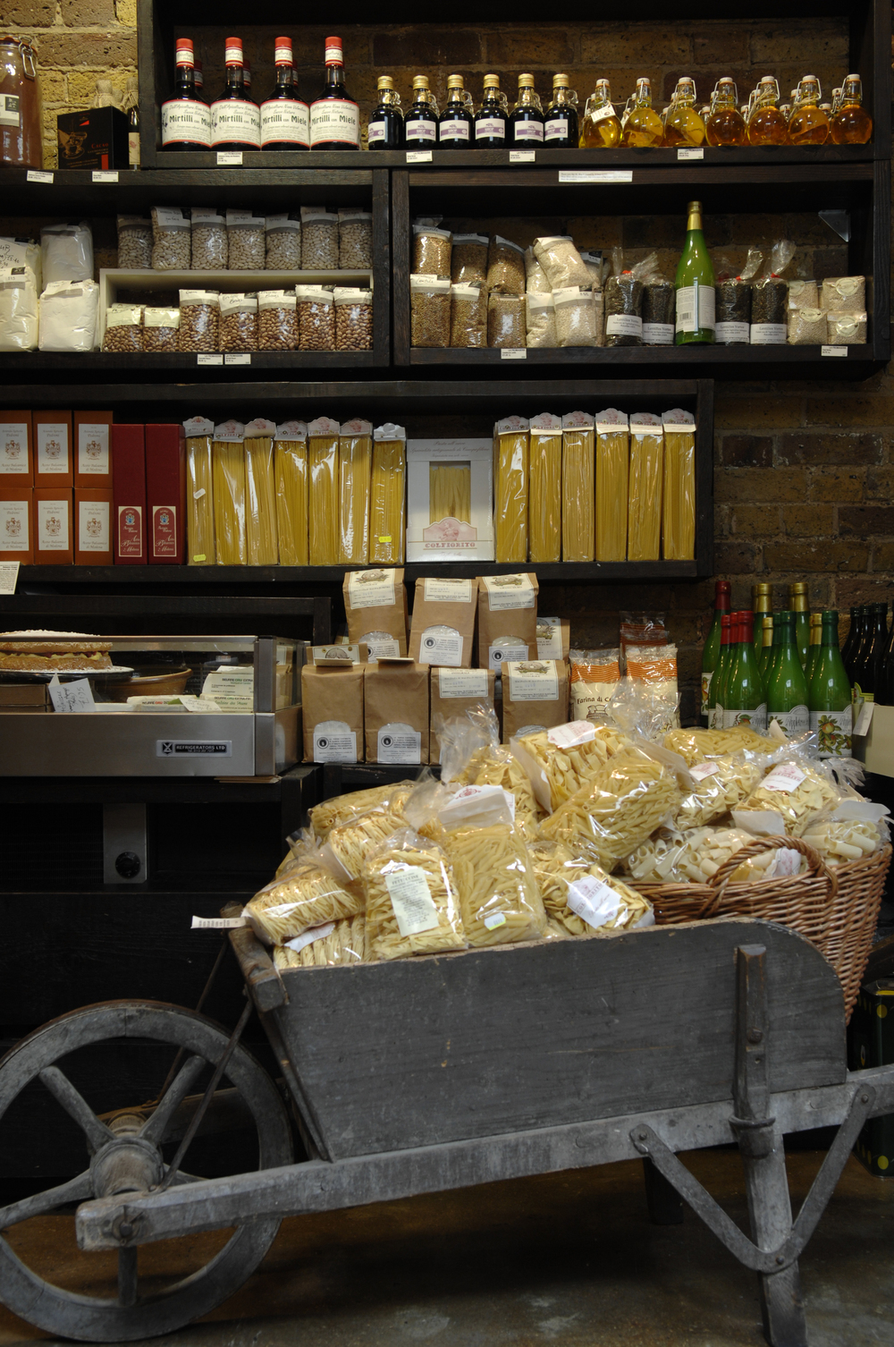 la-fromagerie-shop-shelves.jpg
