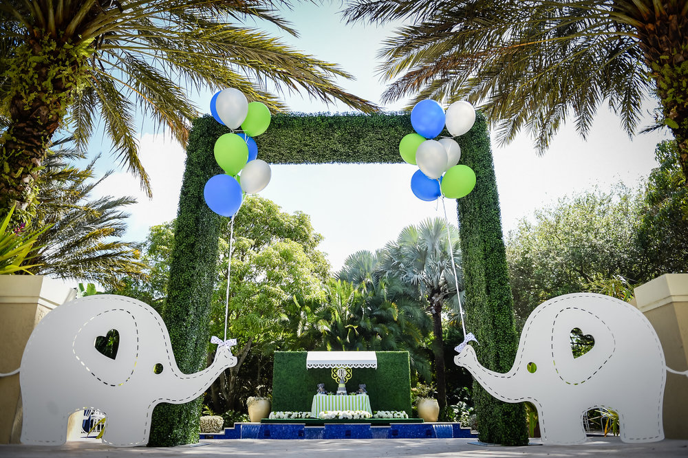 Elephant Baby Shower by Tutti Bambini Events, featuring our Hedge Entrance, Elephant Props & Hedge Wall with Awning. Photo Courtesy of Tutti Bambini Photography.