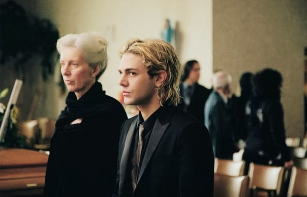 Lise Roy and Xavier Dolan as Agathe and Tom