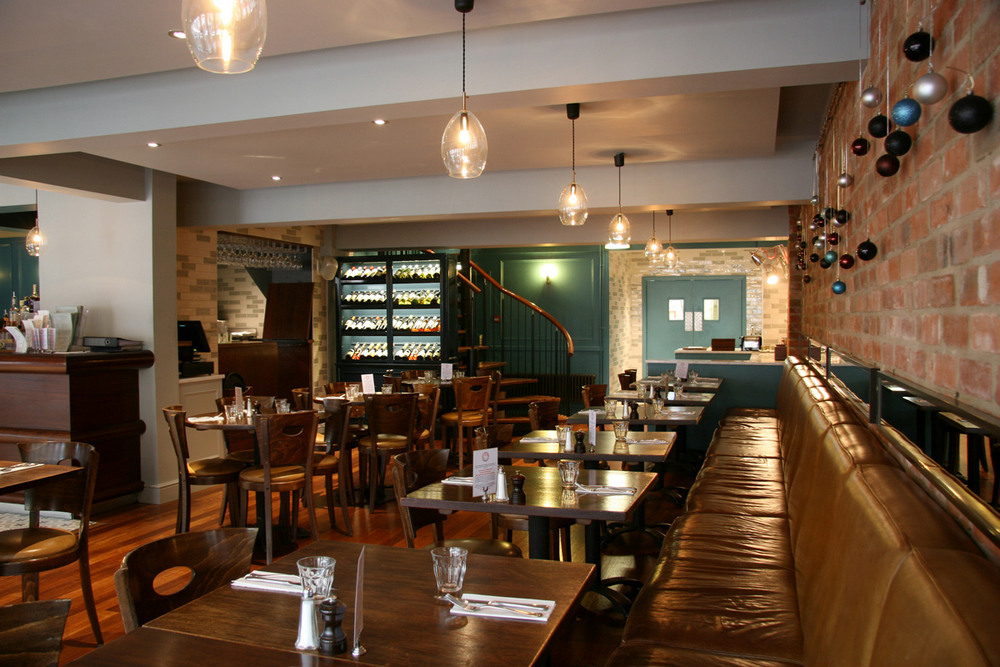 portabello_restaurant_designers_interior_architecture_oxford_rogue_designs_northern_lighting_unika_pendant_2