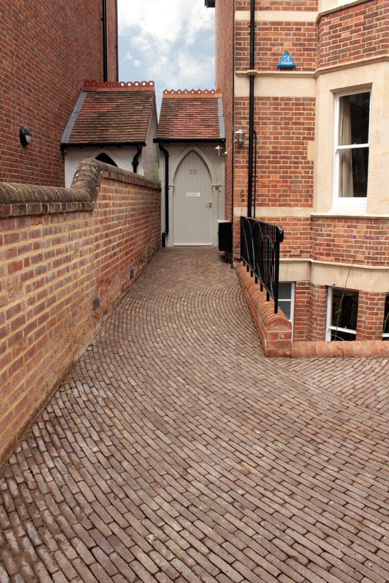 curved_clay_pavers_porch_extension_rogue_designs_oxford_2