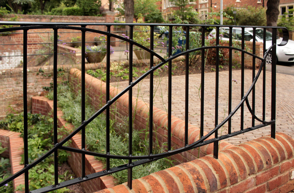 curved_bespoke_railings_rogue_designs_oxford