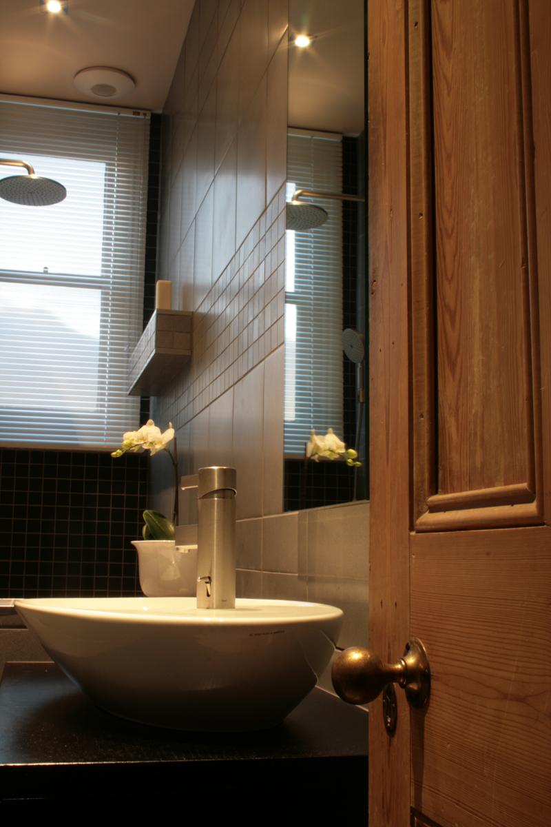 wetroom_porcelain_tiles_vanity_unit_rogue_designs_architecture_oxford