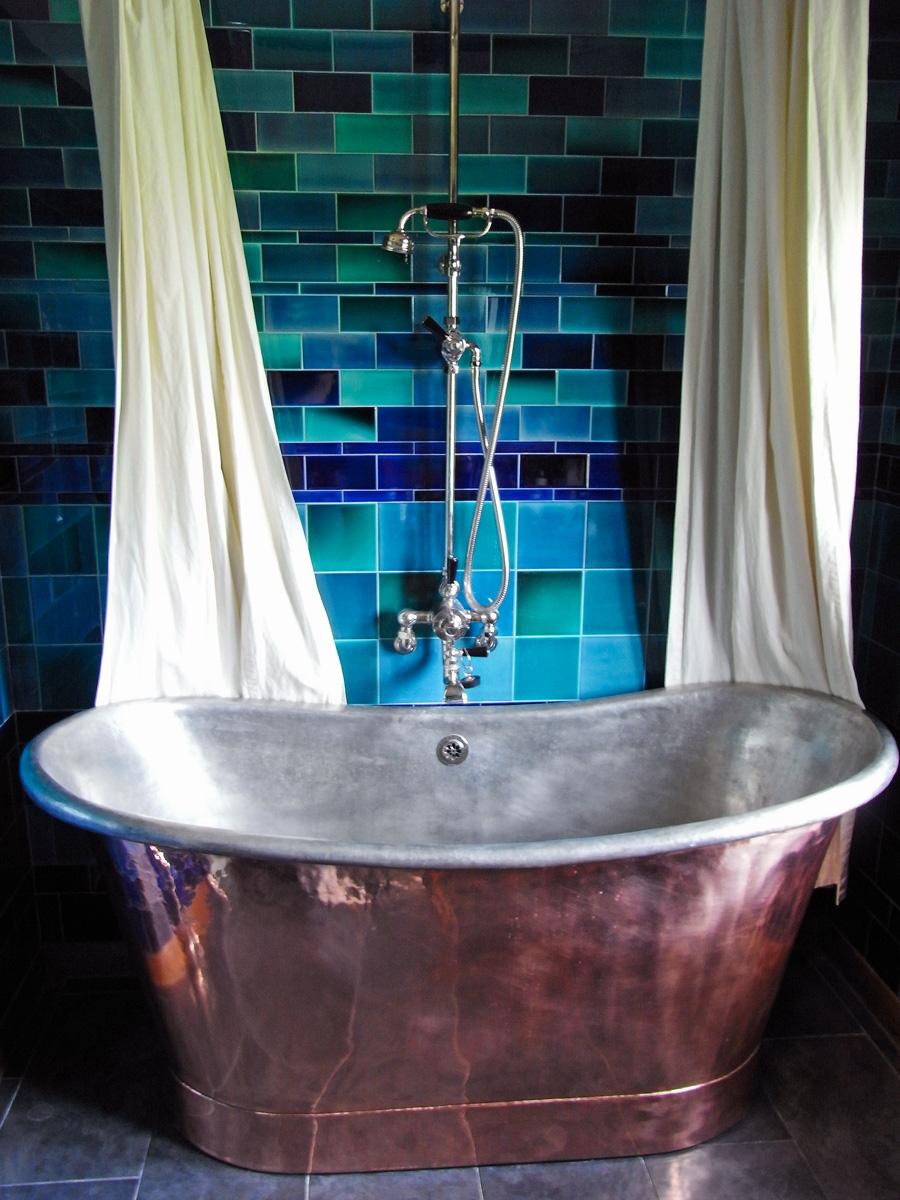 arts_crafts_bathroom_design_copper_bath_peacock_house_rogue_designs_interior_designers_oxford