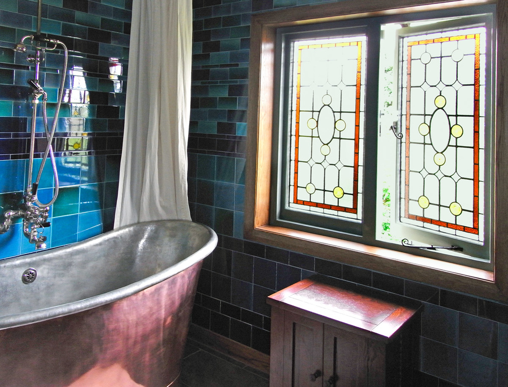 arts_crafts_bathroom_design_copper_bath_bespoke_leaded_stained_glass_peacock_house_rogue_designs_interior_designers_oxford_2
