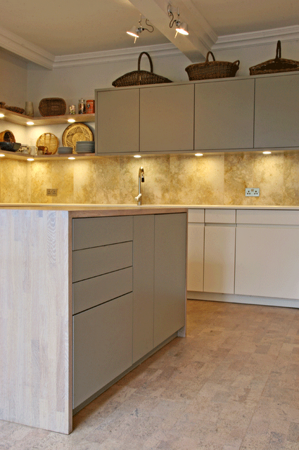 kitchen-with-cork-floor-v2.png